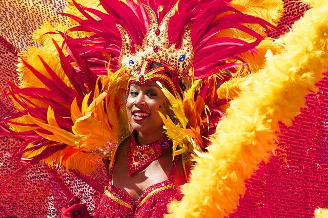 Ein Einhorn Haarreif passt perfekt zu Karneval